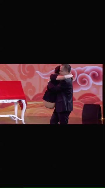 致敬世界最高位半截人−−彭水林,经历14年的人生苦难,在《养生堂》的舞台上,再次勇敢站起来!!!🔥🔥