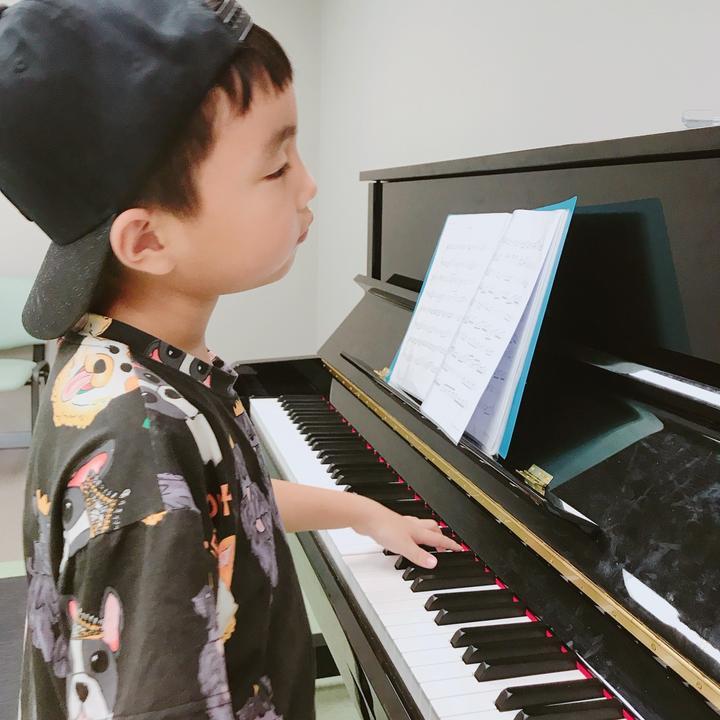 王烁然Music