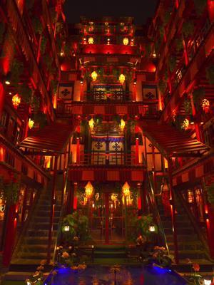 今天误入宫崎骏动画里的#千与千寻,是郭沫若诗词里 #天上的街市 我在这等你!你什么时候来@抖音旅游#西藏#拉萨